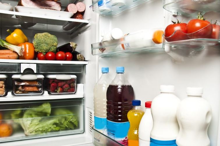 Hűtőgép palacktartó